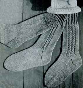 Single Cable Socks Knitting Patterns
