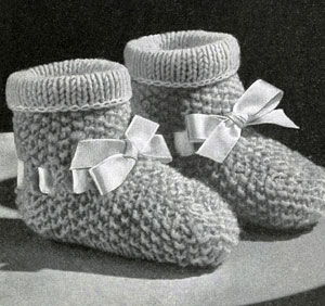 Reversible Knitted Baby Set Pattern booties