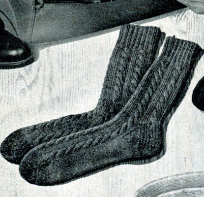 Knitting Pattern For Cotton Socks : Cable Socks Pattern Knitting Patterns