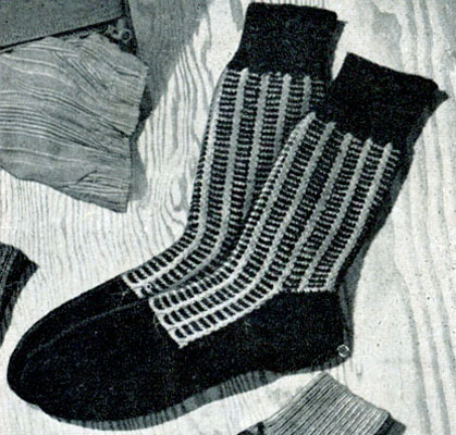 Two Tone Twist Socks Pattern