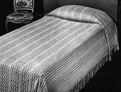 Pomander Walk Bedspread Pattern #650