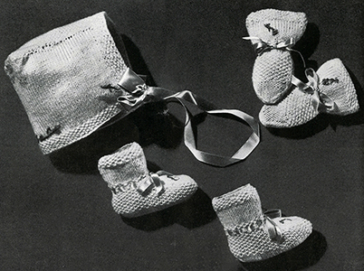 Baby Sacque, Cap, Mittens, and Bootees Set Pattern #5326