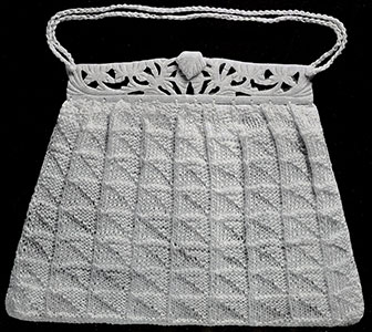 Knitted Triangle Purse Pattern #2160