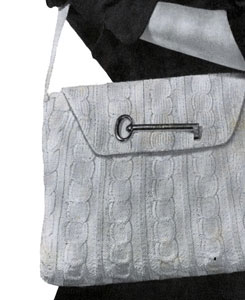 White Shoulder Strap Bag Pattern